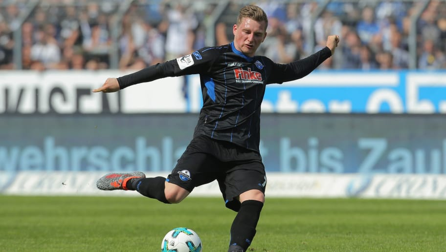 KARLSRUHE, GERMANY - APRIL 28: Marlon Ritter of Paderborn controls the ball during the 3. Liga match between Karlsruher SC and SC Paderborn 07 at Wildparkstadion on April 28, 2018 in Karlsruhe, Germany. (Photo by Juergen Schwarz/Bongarts/Getty Images)