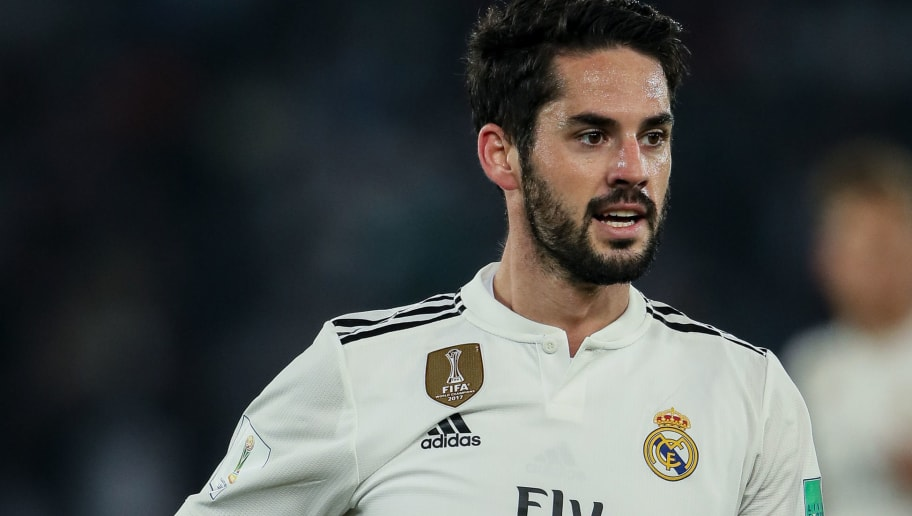 ABU DHABI, UNITED ARAB EMIRATES - DECEMBER 19: Isco of Real Madrid during the FIFA Club World Cup UAE 2018 Semi Final match between Kashima Antlers and Real Madrid at Sheikh Zayed Sports City Stadium on December 19, 2018 in Abu Dhabi, United Arab Emirates. (Photo by Matthew Ashton - AMA/Getty Images)