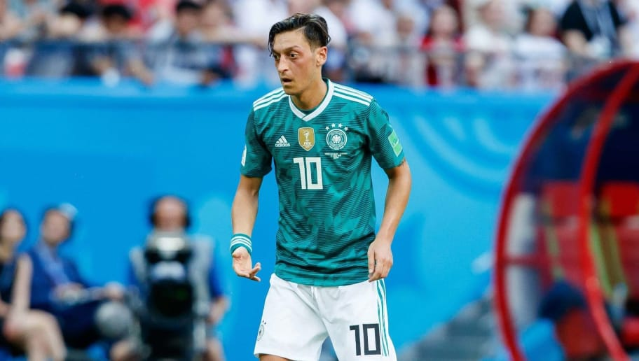 KAZAN, RUSSIA - JUNE 27: Mesut Oezil of Germany controls the ball during the 2018 FIFA World Cup Russia group F match between Korea Republic and Germany at Kazan Arena on June 27, 2018 in Kazan, Russia. (Photo by TF-Images/Getty Images)