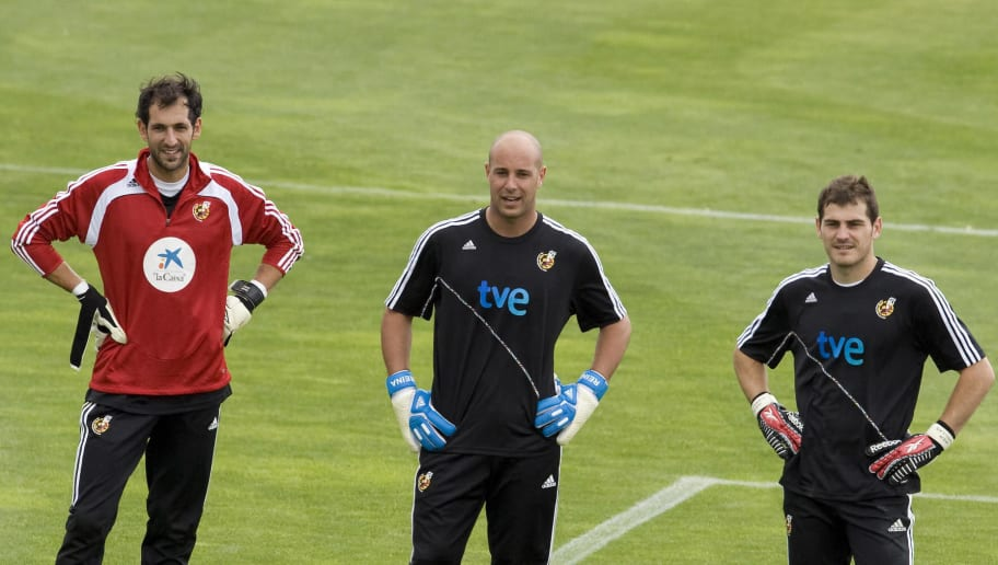 (L to R) Spain's goalkeepers Diego Lopez