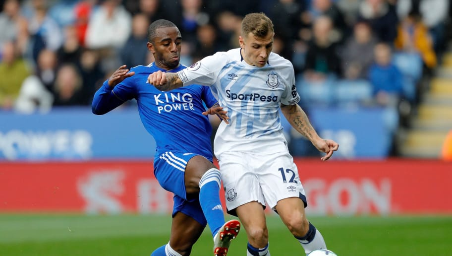 LEICESTER, ENGLAND - OCTOBER 06: Ricardo Pereira of Leicester City competes with Lucas Digne of Everton during the Premier League match between Leicester City and Everton FC at The King Power Stadium on October 6, 2018 in Leicester, United Kingdom. (Photo by Malcolm Couzens/Getty Images)
