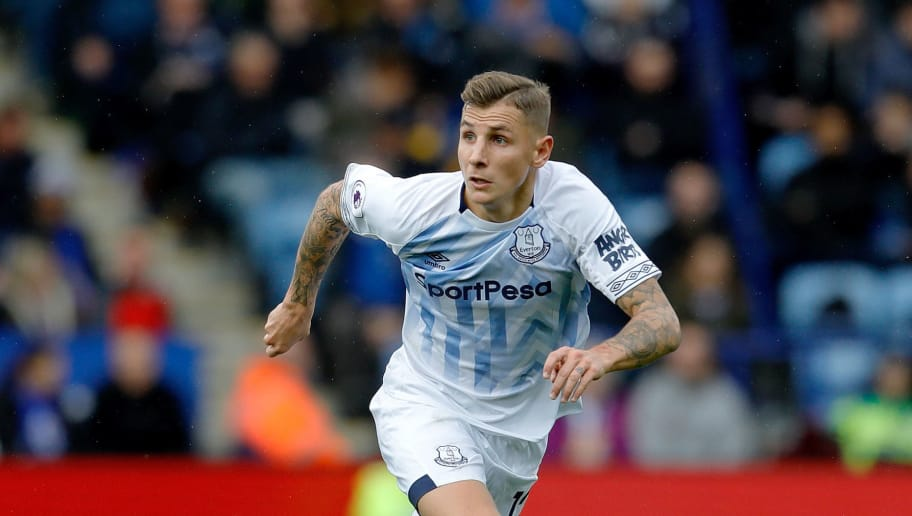 LEICESTER, ENGLAND - OCTOBER 06: Lucas Digne of Everton during the Premier League match between Leicester City and Everton FC at The King Power Stadium on October 6, 2018 in Leicester, United Kingdom. (Photo by Malcolm Couzens/Getty Images)