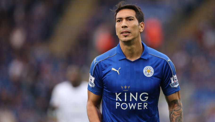 LEICESTER, ENGLAND - MAY 07: Leonardo Ulloa of Leicester City during the Barclays Premier League match between Leicester City and Everton at The King Power Stadium on May 7, 2016 in Leicester, United Kingdom. (Photo by Matthew Ashton - AMA/Getty Images)