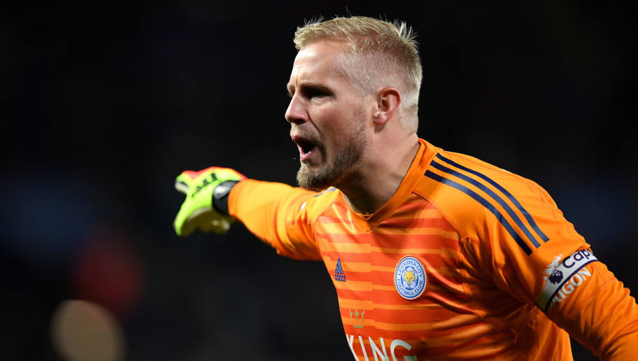 LEICESTER, ENGLAND - OCTOBER 27:  Kasper Schmeichel of Leicester City gives his team instructions during the Premier League match between Leicester City and West Ham United at The King Power Stadium on October 27, 2018 in Leicester, United Kingdom.  (Photo by Shaun Botterill/Getty Images)