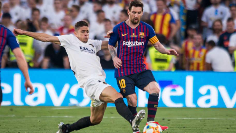 Gabriel Paulista,Lionel Messi