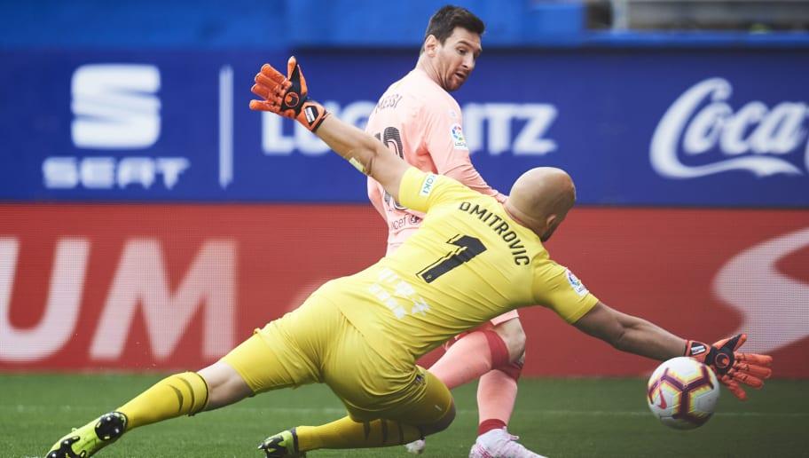 Lionel Messi,Marko Dmitrovic