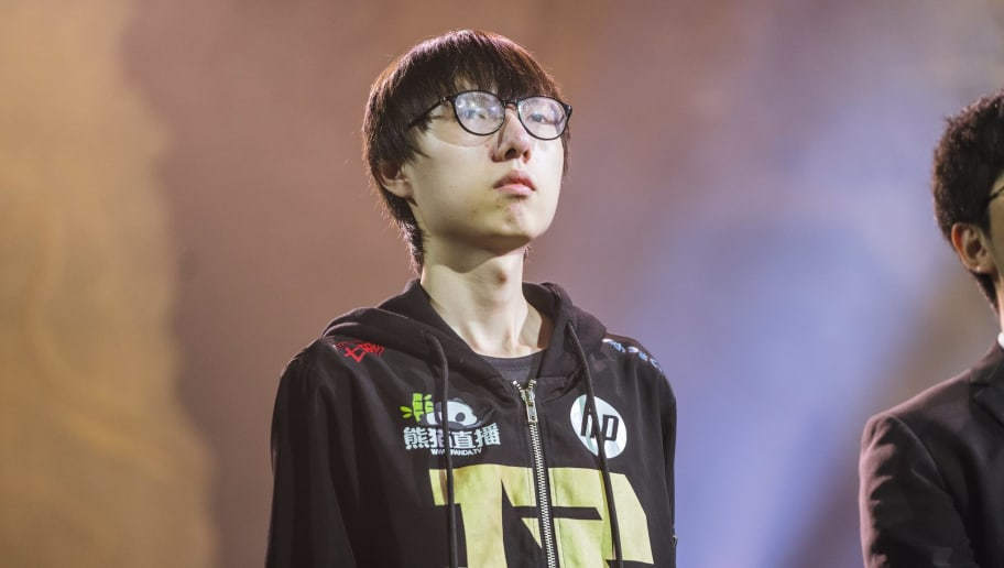 Mlxg retired from League of Legends on Tuesday.