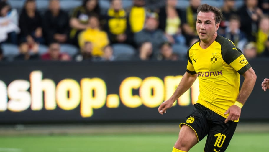 LOS ANGELES, CA - MAY 22:  Mario Gotze #10 of Borussia Dortmund during Los Angeles FC's friendly match against Borussia Dortmund at the Banc of California Stadium on May 22, 2018 in Los Angeles, California.  The match ended in a 1-1 tie.  (Photo by Shaun Clark/Getty Images)