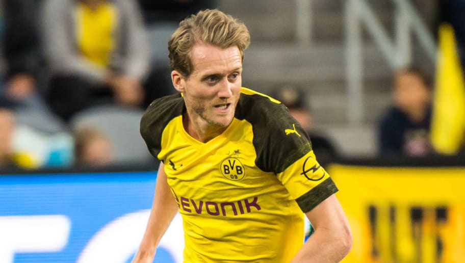 LOS ANGELES, CA - MAY 22:  Andre Schurrle #21 of Borussia Dortmund during Los Angeles FC's friendly match against Borussia Dortmund at the Banc of California Stadium on May 22, 2018 in Los Angeles, California.  The match ended in a 1-1 tie.  (Photo by Shaun Clark/Getty Images)