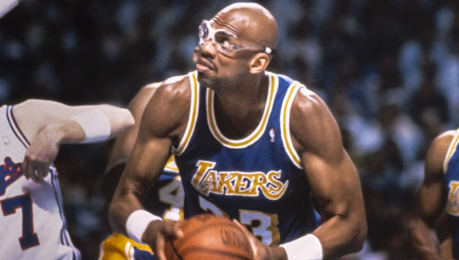 SACRAMENTO, CA -  MARCH 23:  Kareem Abdul Jabbar #33 of the Los Angeles Lakers attempts to shoot during an NBA game against the Sacramento Kings played on March 23, 1989 at Arco Arena in Sacramento, California. (Photo by David Madison/Getty Images)