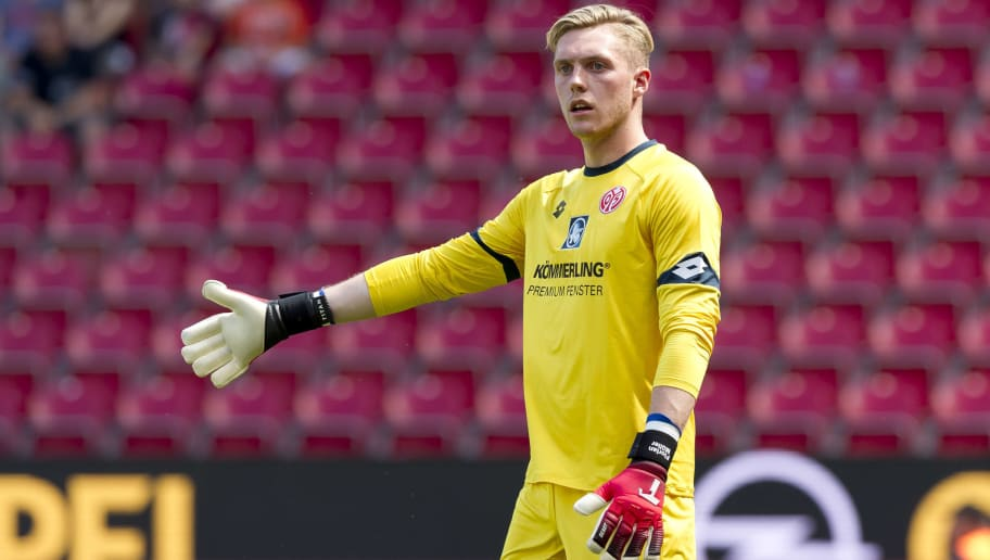 MAINZ, GERMANY - AUGUST 05: Goalkeeper Florian Mueller of Mainz gestures during the Opel Cup match bweteen Mainz 05 and Ahtletic Bilbao at Opel Arena on August 5, 2018 in Mainz, Germany. (Photo by TF-Images/Getty Images)