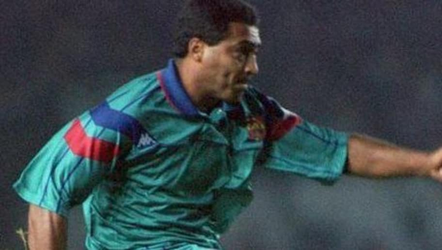 19 OCT 1994:  ROMARIO  OF BARCELONA TAKES A SHOT AT GOAL AS DENIS IRWIN AND GARY PALLISTER LOOK ON DURING THE MANCHESTER UNITED V BARCELONA IN THE CHAMPIONSLEAGUE MATCH AT OLD TRAFFORD, MANCHESTER.   Mandatory Credit: Chris Cole/ALLSPORT