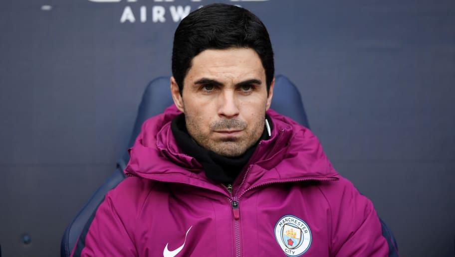 MANCHESTER, ENGLAND - MARCH 04: Coach of Manchester City, Mikel Arteta looks on during the Premier League match between Manchester City and Chelsea at Etihad Stadium on March 4, 2018 in Manchester, England.  (Photo by Laurence Griffiths/Getty Images)