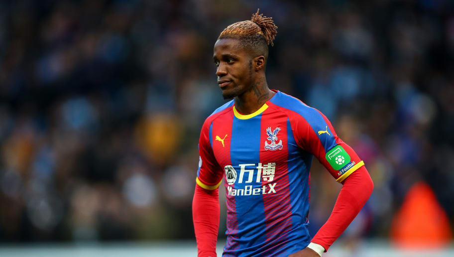MANCHESTER, ENGLAND - DECEMBER 22: Wilfried Zaha of Crystal Palace during the Premier League match between Manchester City and Crystal Palace at Etihad Stadium on December 22, 2018 in Manchester, United Kingdom. (Photo by Robbie Jay Barratt - AMA/Getty Images)