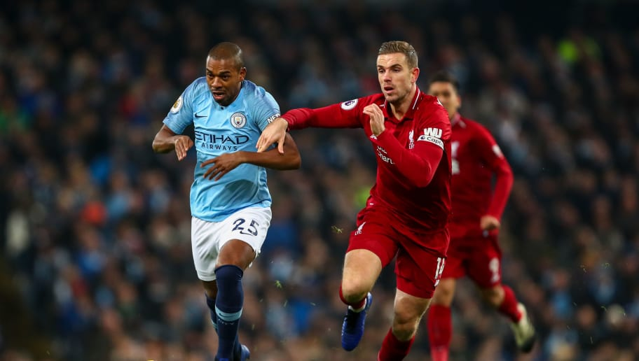 MANCHESTER, ENGLAND - JANUARY 03: Fernandinho of Manchester City and Jordan Henderson of Liverpool during the Premier League match between Manchester City and Liverpool FC at Etihad Stadium on January 3, 2019 in Manchester, United Kingdom. (Photo by Robbie Jay Barratt - AMA/Getty Images)