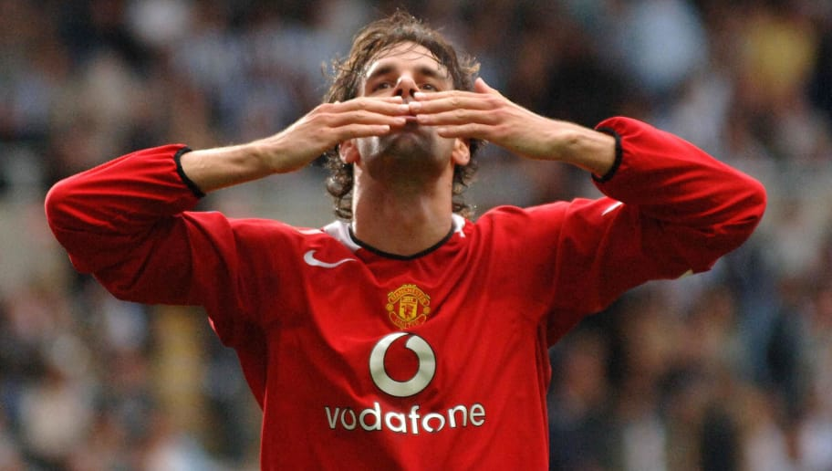 NEWCASTLE, UNITED KINGDOM:  Manchester United's Ruud van Nistelrooy celebrates after scoring to make it 2-0 against Newcastle United during their Premiereship match at St James' Park, in Newcastle, 28 August 2005. AFP PHOTO Paul Barker Mobile and website use of domestic English football pictures subject to subscription of a license with Football Association Premier League (FAPL) tel : +44 207 298 1656. For newspapers where the football content of the printed and electronic versions are  (Photo credit should read PAUL BARKER/AFP/Getty Images)