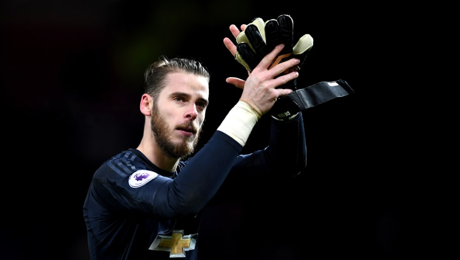MANCHESTER, ENGLAND - DECEMBER 13: David De Gea of Manchester United shows appreciation to the fans after the Premier League match between Manchester United and AFC Bournemouth at Old Trafford on December 13, 2017 in Manchester, England.  (Photo by Gareth Copley/Getty Images)
