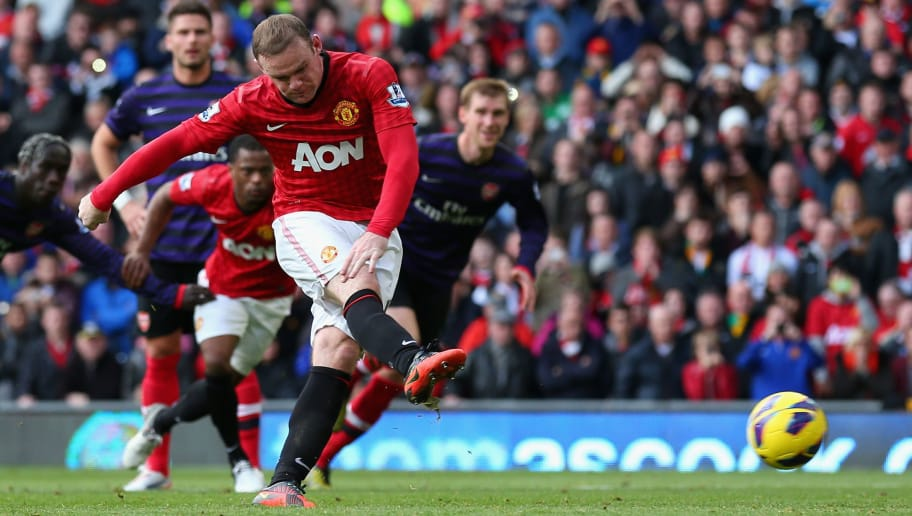 MANCHESTER, ENGLAND - NOVEMBER 03:  Wayne Rooney of Manchester United takes and subsequently misses a penalty kick during the Barclays Premier League match between Manchester United and Arsenal at Old Trafford on November 3, 2012 in Manchester, England. (Photo by Alex Livesey/Getty Images)