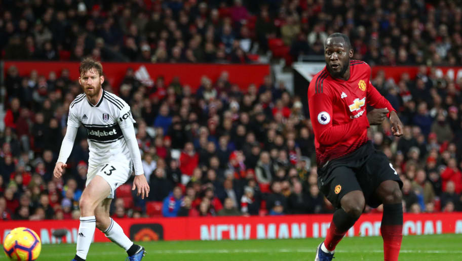 MANCHESTER, ENGLAND - DECEMBER 08:  Romelu Lukaku of Manchester United scores his team's third goal during the Premier League match between Manchester United and Fulham FC at Old Trafford on December 8, 2018 in Manchester, United Kingdom.  (Photo by Clive Brunskill/Getty Images)