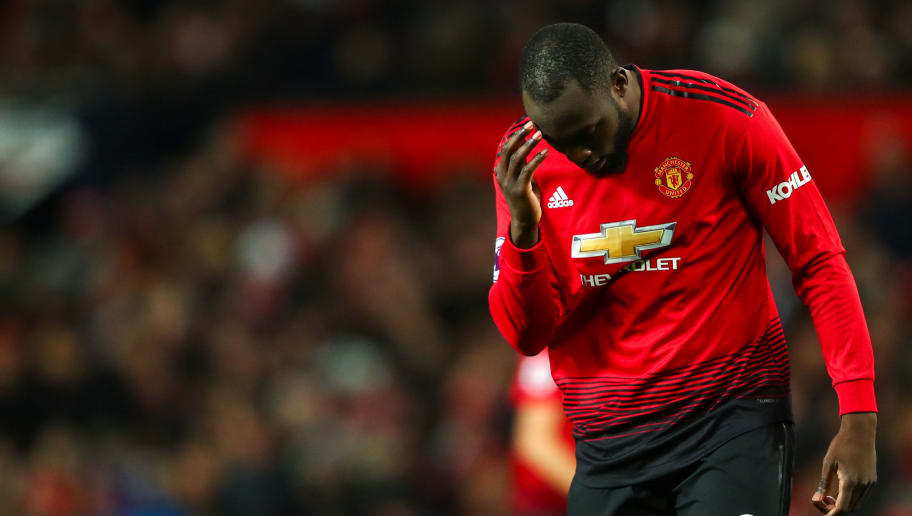 MANCHESTER, ENGLAND - DECEMBER 08: A dejected Romelu Lukaku of Manchester United reacts during the Premier League match between Manchester United and Fulham FC at Old Trafford on December 8, 2018 in Manchester, United Kingdom. (Photo by Robbie Jay Barratt - AMA/Getty Images)