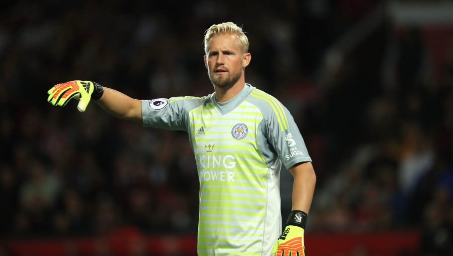 MANCHESTER, ENGLAND - AUGUST 10: Kasper Schmeichel of Leicester City during the Premier League match between Manchester United and Leicester City at Old Trafford on August 10, 2018 in Manchester, United Kingdom. (Photo by Matthew Ashton - AMA/Getty Images)