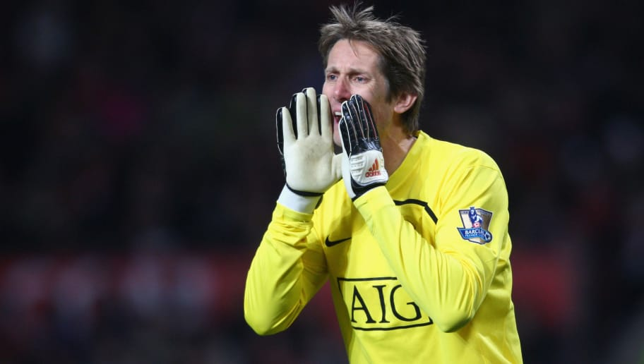 MANCHESTER, UNITED KINGDOM - DECEMBER 06:  Edwin van der Sar of Manchester United shouts to his team mates during the Barclays Premier League match between Manchester United and Sunderland at Old Trafford on December 6, 2008 in Manchester, England. (Photo by Jamie McDonald/Getty Images)