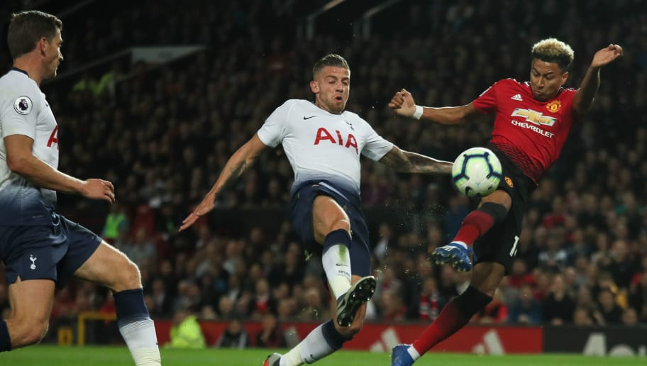 MANCHESTER, ENGLAND - AUGUST 27: Toby Alderweireld of Tottenham Hotspur and Jesse Lingard of Manchester United during the Premier League match between Manchester United and Tottenham Hotspur at Old Trafford on August 27, 2018 in Manchester, United Kingdom. (Photo by Matthew Ashton - AMA/Getty Images)