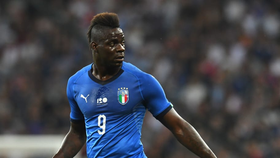 NICE, FRANCE - JUNE 01:  Mario Balotelli of Italy  looks on during the International Friendly match between France and Italy at Allianz Riviera Stadium on June 1, 2018 in Nice, France.  (Photo by Alessandro Sabattini/Getty Images)