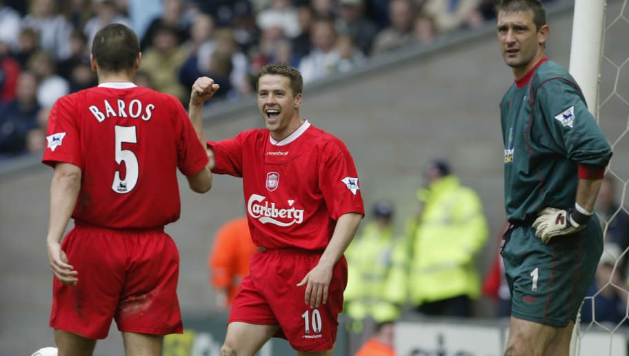 WEST BROMWICH - APRIL 26:  Michael Owen of Liverpool celebrates scoring during the FA Barclaycard Premiership match between West Bromwich Albion and Liverpool at The Hawthorns on April 26, 2003 in West Bromwich, England. (Photo by Mark Thompson/Getty Images)