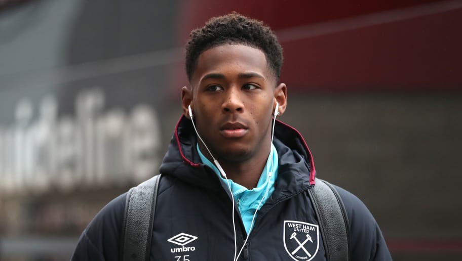 MIDDLESBROUGH, ENGLAND - JANUARY 21: Reece Oxford of West Ham United arrives at the stadium prior to the Premier League match between Middlesbrough and West Ham United at the Riverside Stadium on January 21, 2017 in Middlesbrough, England.  (Photo by Ian MacNicol/Getty Images)