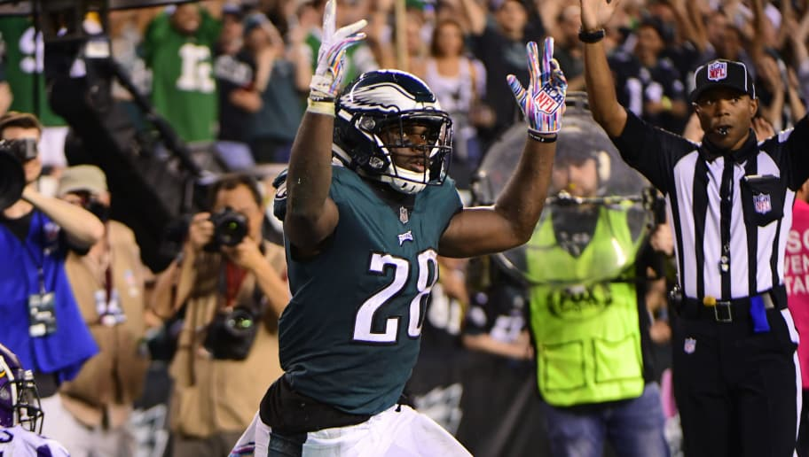 PHILADELPHIA, PA - OCTOBER 07: Wendell Smallwood #28 of the Philadelphia Eagles reacts to scoring a touchdown during the fourth quarter at Lincoln Financial Field on October 7, 2018 in Philadelphia, Pennsylvania. The Vikings won 23-21. (Photo by Corey Perrine/Getty Images)
