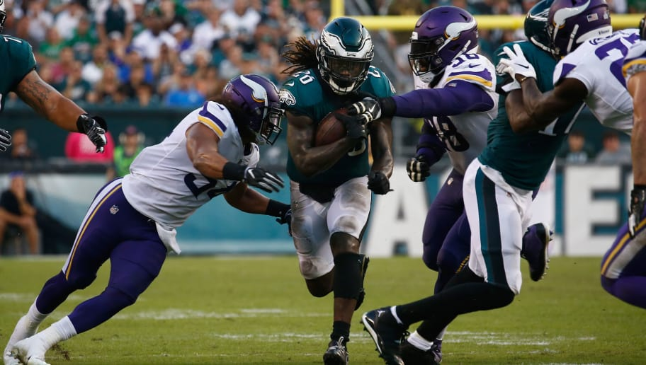 PHILADELPHIA, PA - OCTOBER 07: Running back Jay Ajayi #26 of the Philadelphia Eagles runs the ball against the Minnesota Vikings during the third quarter at Lincoln Financial Field on October 7, 2018 in Philadelphia, Pennsylvania.  (Photo by Jeff Zelevansky/Getty Images)