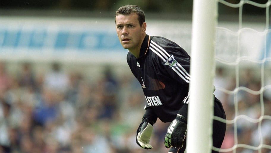 19 Aug 2000:  Tottenham Hotspur keeper Neil Sullivan during the FA Carling Premiership match against Ipswich Town at White Hart Lane in London. Spurs won 3-1. \ Mandatory Credit: Phil Cole /Allsport