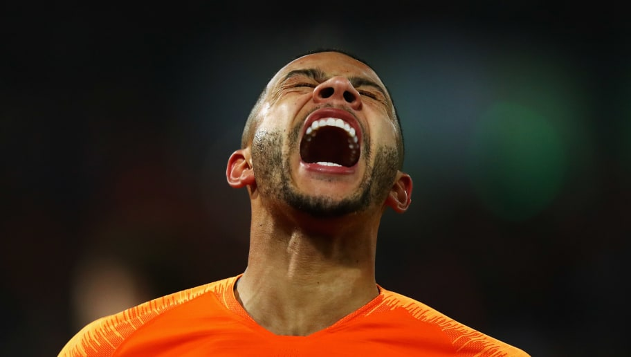 ROTTERDAM, NETHERLANDS - NOVEMBER 16:  Memphis Depay of the Netherlands reacts to a missed chance on goal during the UEFA Nations League A group one match between Netherlands and France at De Kuip on November 16, 2018 in Amsterdam, Netherlands.  (Photo by Dean Mouhtaropoulos/Getty Images)