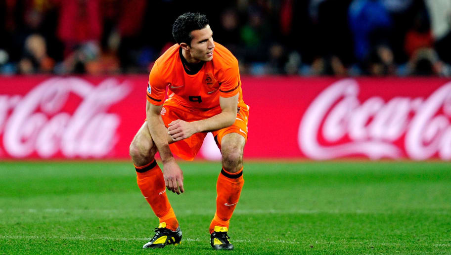 JOHANNESBURG, SOUTH AFRICA - JULY 11:  Dejected Robin Van Persie of the Netherlands after defeat during the 2010 FIFA World Cup South Africa Final match between Netherlands and Spain at Soccer City Stadium on July 11, 2010 in Johannesburg, South Africa.  (Photo by Jamie McDonald/Getty Images)