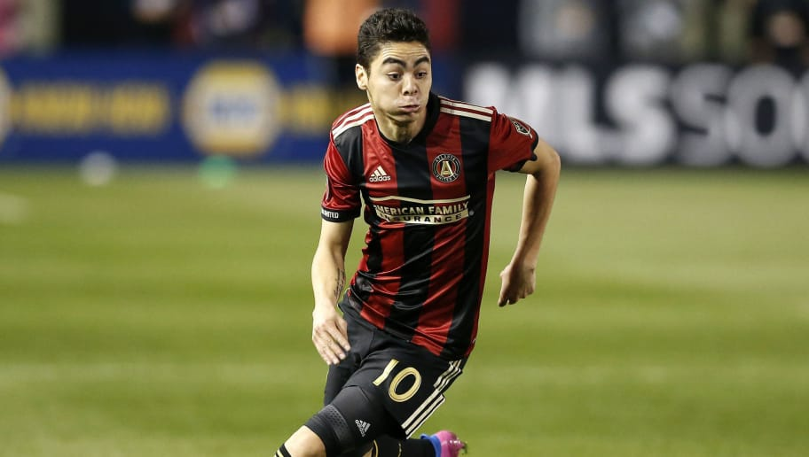 ATLANTA, GA - MARCH 05:  Midfielder Miguel Almiron #10 of Atlanta United dribbles during the game against the New York Red Bulls at Bobby Dodd Stadium on March 5, 2017 in Atlanta, Georgia.  (Photo by Mike Zarrilli/Getty Images)