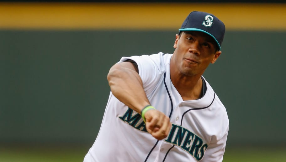 c89e02804f471 Russell Wilson Heading to Yankees Camp This Week
