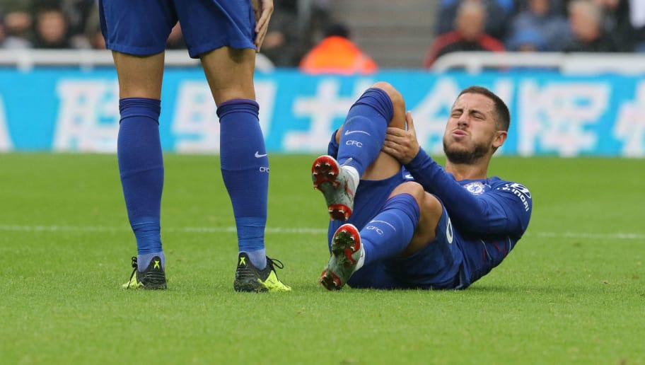 NEWCASTLE UPON TYNE, ENGLAND - AUGUST 26: Eden Hazard of Chelsea appears injured during the Premier League match between Newcastle United and Chelsea FC at St. James Park on August 26, 2018 in Newcastle upon Tyne, United Kingdom. (Photo by Ian Horrocks/Getty Images)