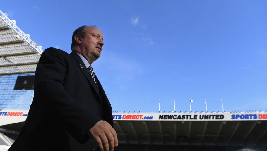 NEWCASTLE UPON TYNE, ENGLAND - SEPTEMBER 29:  Newcastle manager Rafa Benitez arrives at the ground before the Premier League match between Newcastle United and Leicester City at St. James Park on September 29, 2018 in Newcastle upon Tyne, United Kingdom.  (Photo by Stu Forster/Getty Images)