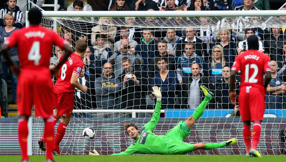 NEWCASTLE UPON TYNE, ENGLAND - OCTOBER 19:  Tim Krul of Newcastle United fails to stop Steven Gerrard of Liverpool scoring from the penalty spot during the Barclays Premier League match between Newcastle United and Liverpool at St James' Park on October 19, 2013 in Newcastle upon Tyne, England.  (Photo by Julian Finney/Getty Images)