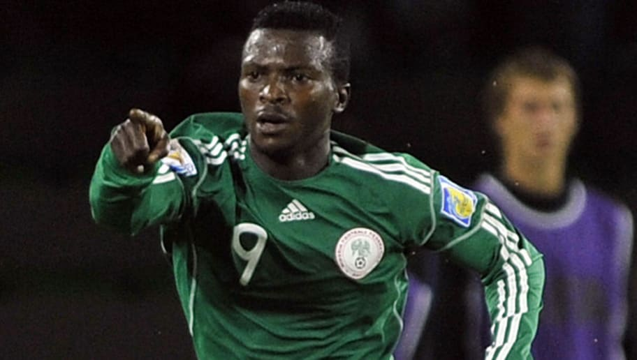 Nigeria's Olarenwaju Kayode (L) celebrat