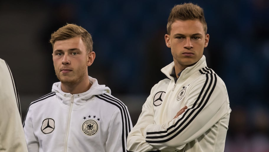 Hamburg, Deutschland, 08.10.2016, WM-Qualifikation 2017, Deutschland - Tschechische Republik,  v-l Max Meyer (GER) Joshua Kimmich (GER)  (Photo by TF-Images/Getty Images)