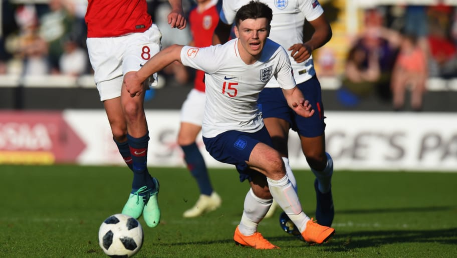 BURTON-UPON-TRENT, ENGLAND - MAY 13:  Bobby Duncan of England during the UEFA European Under-17 Championship Between Norway and England at Pirelli Stadium on May 13, 2018 in Burton-upon-Trent, England.  (Photo by Tony Marshall/Getty Images)
