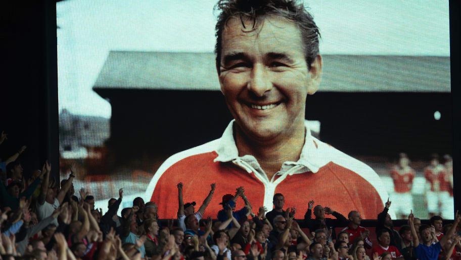 NOTTINGHAM, ENGLAND - SEPTEMBER 14:  Fans remember Brian Clough during the Sky Bet Championship match between Nottingham Forest and Derby County at City Ground on September 14, 2014 in Nottingham, England.  (Photo by Laurence Griffiths/Getty Images)
