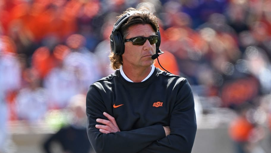 Mike Gundy Cuts Check to Radio Host Who Lost Bet on His