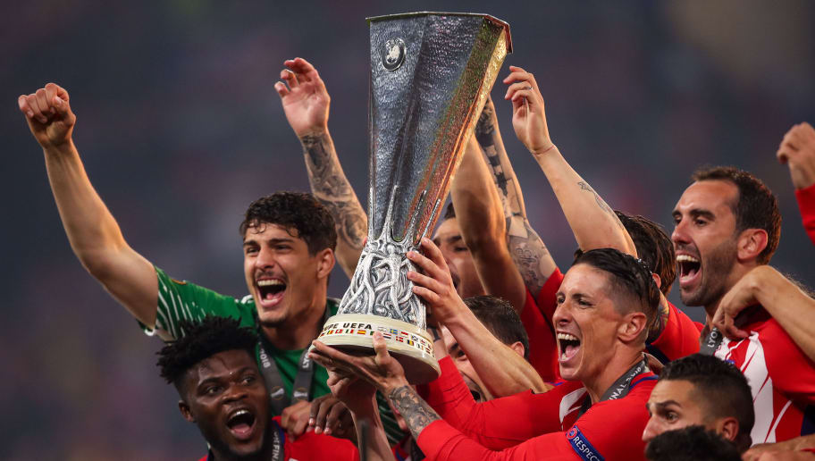 LYON, FRANCE - MAY 16: Players of Atletico Madrid lift the UEFA Europa League trophy during the UEFA Europa League Final between Olympique de Marseille and Club Atletico de Madrid at Stade de Lyon on May 16, 2018 in Lyon, France. (Photo by Robbie Jay Barratt - AMA/Getty Images)