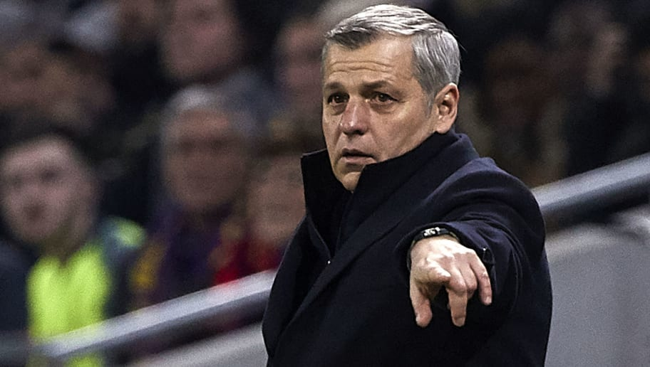 Olympique Lyonnais v FC Barcelona - UEFA Champions League Round of 16: First Leg