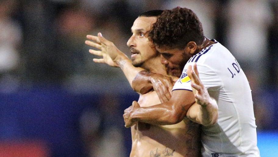 Zlatan Ibrahimovic,Jonathan Dos Santos
