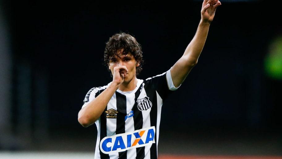 Oficial! Cruzeiro anuncia a contratação de lateral Dodô para 2019 ... 56a4f0ac0985c