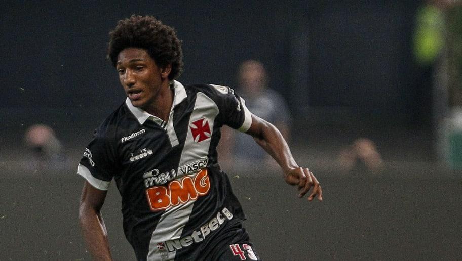 Bruno Henrique,Talles